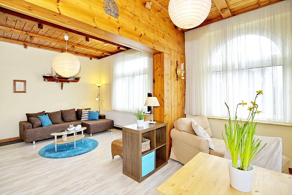 haus l tgens ferienwohnung travem nde. Black Bedroom Furniture Sets. Home Design Ideas